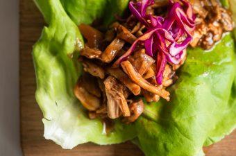 """Vegan Pulled """"Pork"""" Lettuce Wraps!"""
