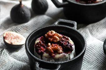 Sinister Snacks! 🦇👻Brainy Blackberry Brie, Finger Snaps & Crueldité